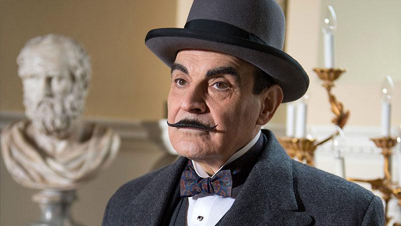 A mindenki által ismert Poirot, David Suchet alakításában