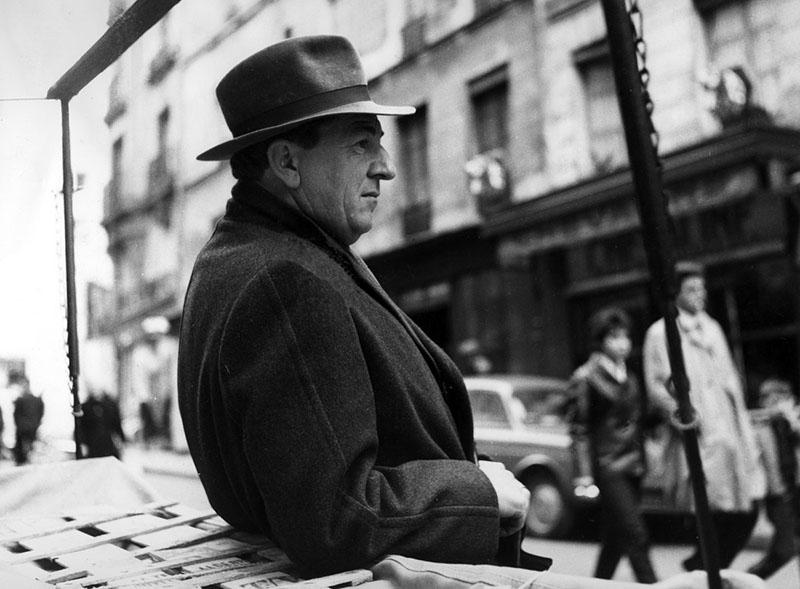 Basil Sydney, mint Jules Maigret, a karaktert később Jean Gabin, és Rowan Atkinson is eljátszotta