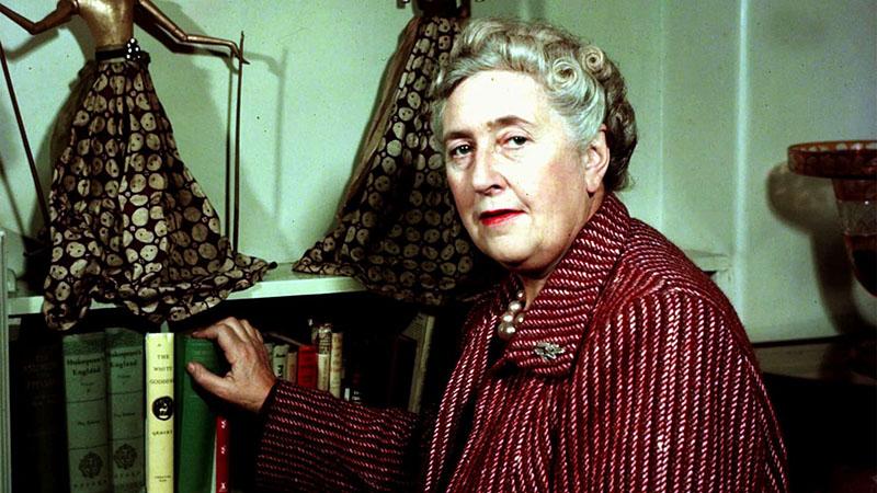 Agatha Christie, akinek író létére sosem volt íróasztala