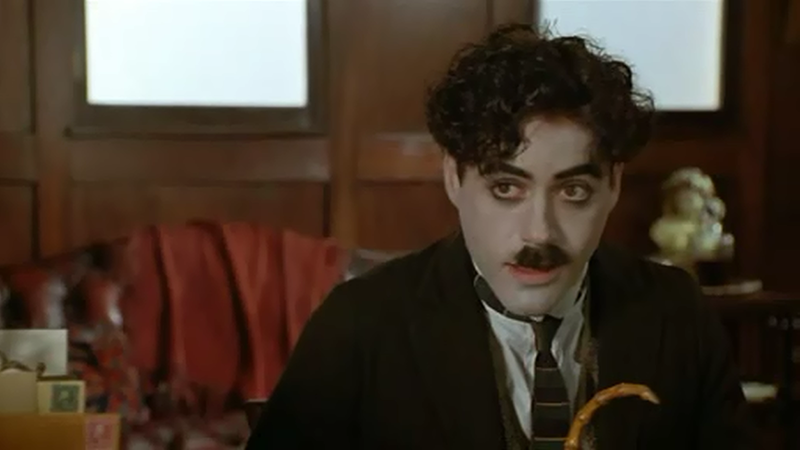 Robert Downey Jr., mint Charlie Chaplin (Chaplin)