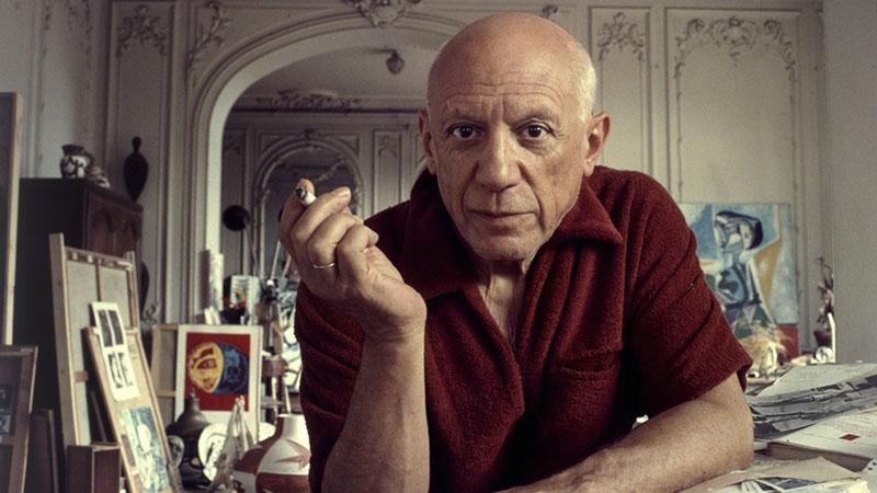 Pablo Picasso a műtermében, 1956-ban