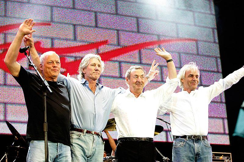 A Live 8 újra összehozta őket. Balról jobbra David Gilmour, Roger Waters, Nick Mason és Richard Wright