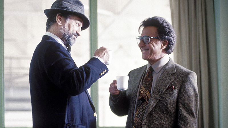 Robert de Niro és Dustin Hoffman kettőse viszi hátán a filmet
