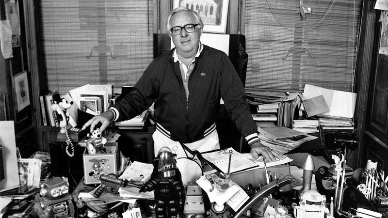 Bradbury a dolgozószobájában