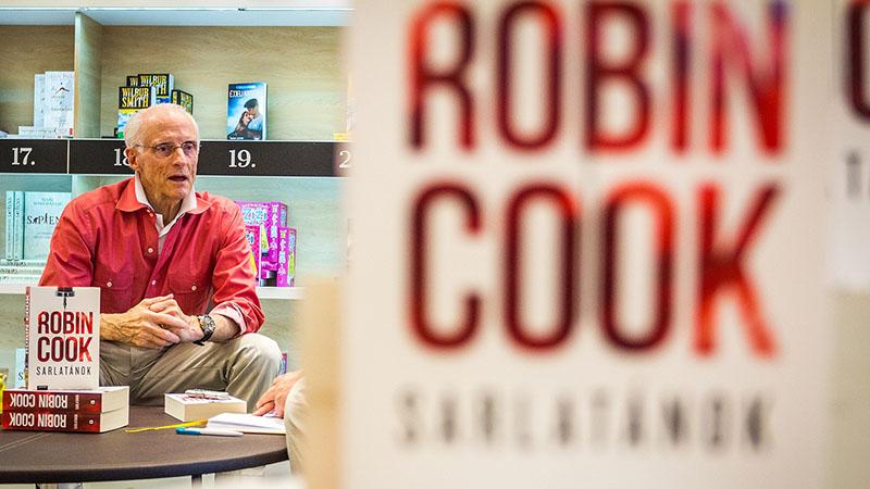 Robin Cook 80 éves /Forrás: szeretlekmagyarorszag.hu/