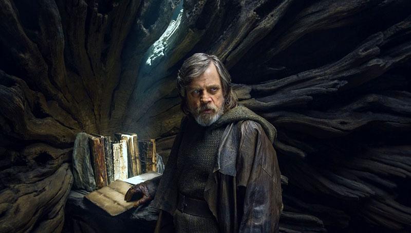 Luke és az elpusztításra váró szent Jedi iratok