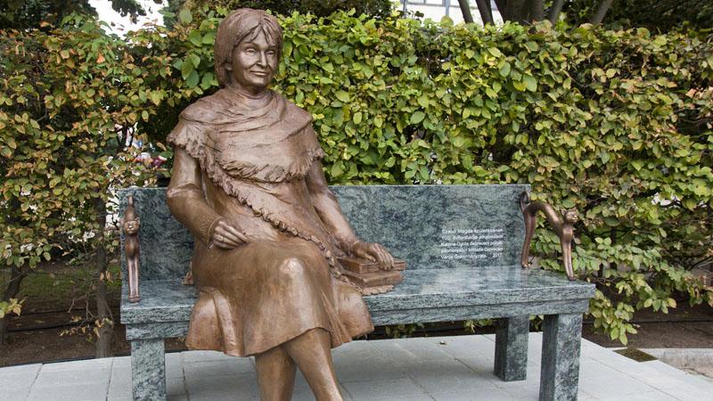 Szabó Magda szobra