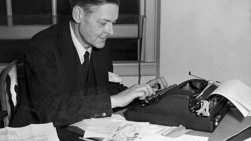 T. S. Eliot munka közben