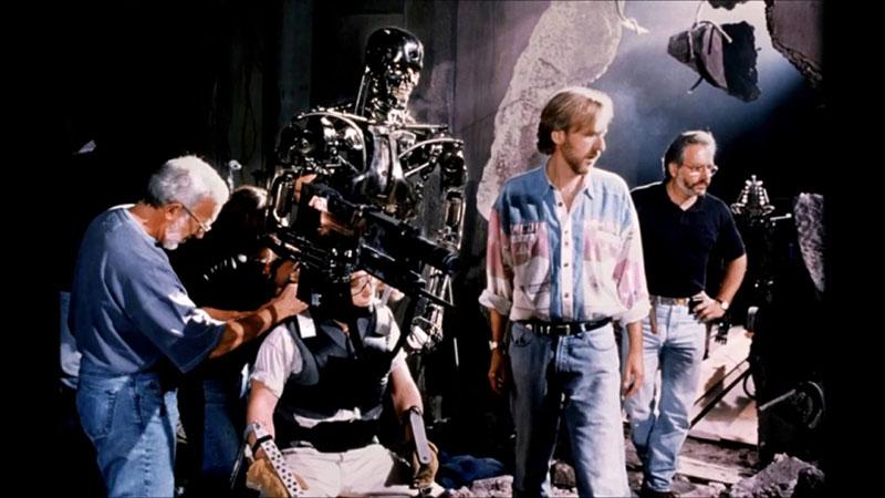 Stan Winston (balra) felelt az animatronikus bábokért