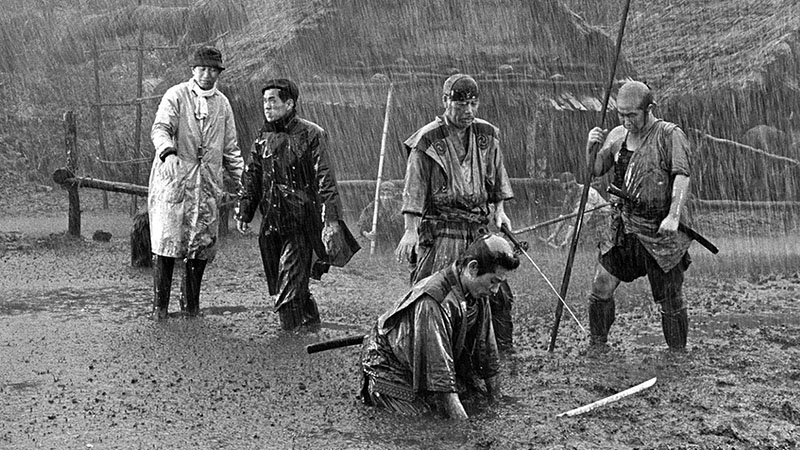 Kurosawa maga is osztozott a mostoha körülményekben