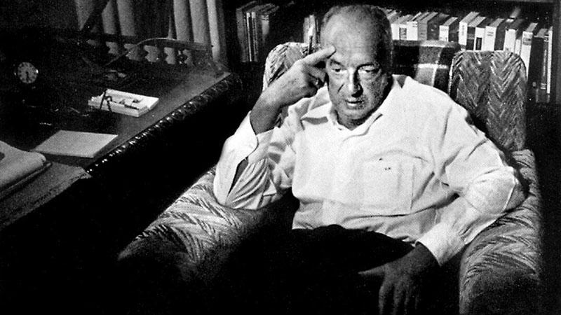 Vladimir Nabokovot leginkább nagy botrány kavart Lolita című regényéről ismerik