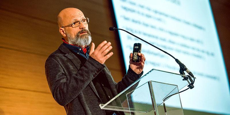 Dr. Zacher Gábor